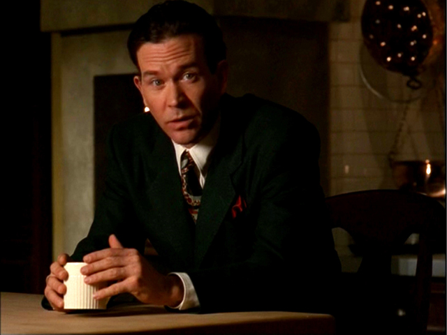 Timothy Hutton as Archie Goodwin in DISGUISE FOR MURDER
